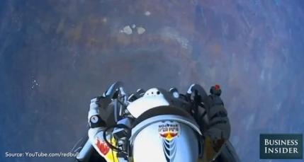 VIDEO Un astronom american ia in ras saritura extraterestra a lui Felix Baumgartner