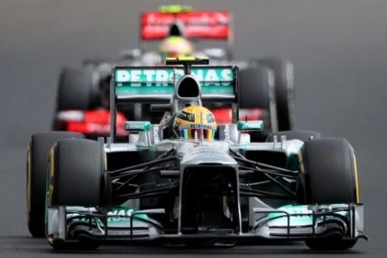 Hamilton domina primele antrenamente din Singapore