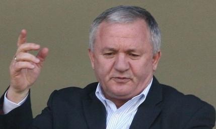 Adrian Porumboiu s-a enervat si vrea sefia FRF