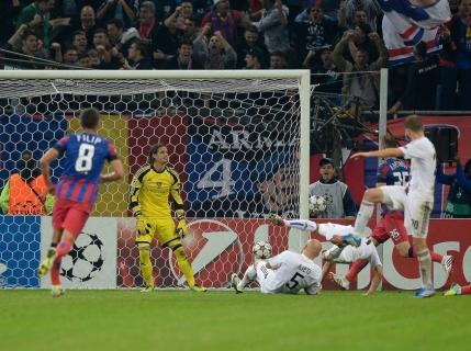 Steaua obtine norocos primul punct in Champions League