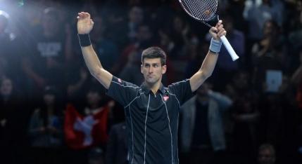 Djokovic in semifinalele Turneului Campionilor