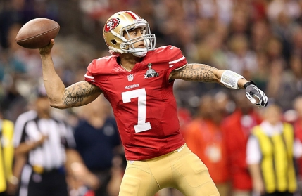 Colin Kaepernick mentine pe 49ers in lupta pentru playoff