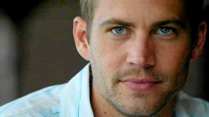 Paul Walker alias Brian O'Conner din Fast & Furious si-a pierdut viata intr-un accident de masina