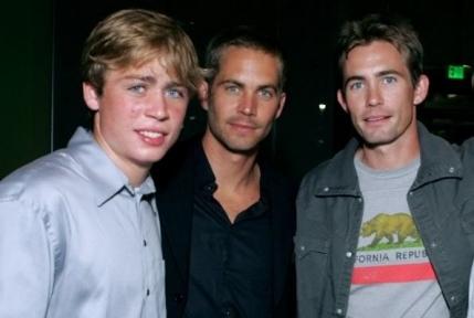 Paul Walker ar putea fi inlocuit de fratele sau in ultimele scene din Fast & Furious 7