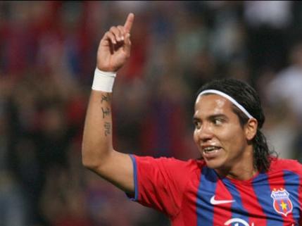 Un fost stelist dorit de mai multe cluburi din Primera Division