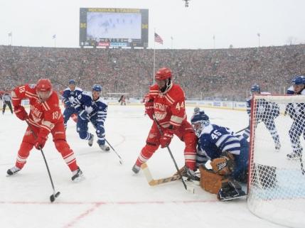 Peste 100.000 de oameni la un meci de hochei in NHL