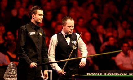 Selby trece de un Higgins suspect de moale si ajunge in semifinale la Masters