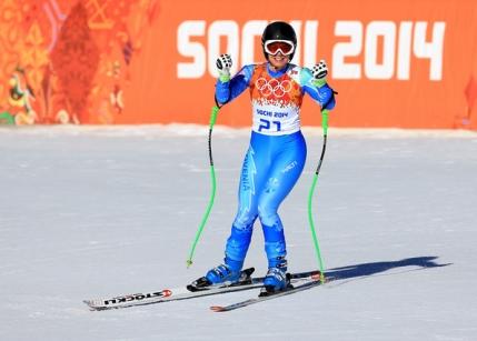 Ania Caill o depaseste pe violonista Vanessa Mae la slalom urias
