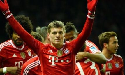 Guardiola se bucura nemteste dupa titlul luat cu Bayern