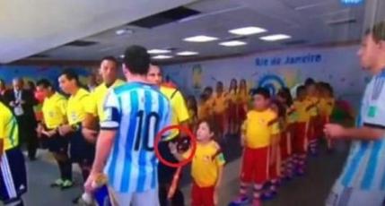 Messi, in centrul unui scandal inante de Argentina - Bosnia  (video)