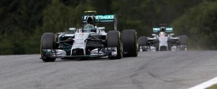 Rosberg castiga in fata lui Hamilton acasa la Red Bull