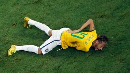 Lovit brutal in spate, Neymar rateaza restul Cupei Mondiale