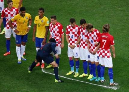 Steaua, prima echipa din Romania care va testa sprayul special de la Cupa Mondiala