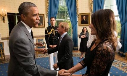 Nadia Comaneci a dat mana cu Barack Obama