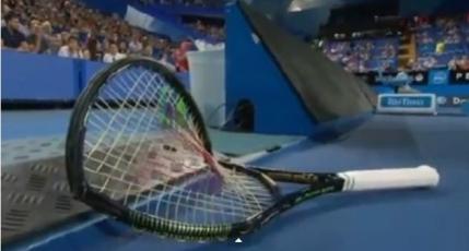Serena Williams incepe anul cu o criza de nervi (video)