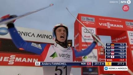 Nou record mondial la zbor cu schiurile