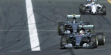 Victorie pentru Lewis Hamilton in Australia. Doar 11 masini la sosire