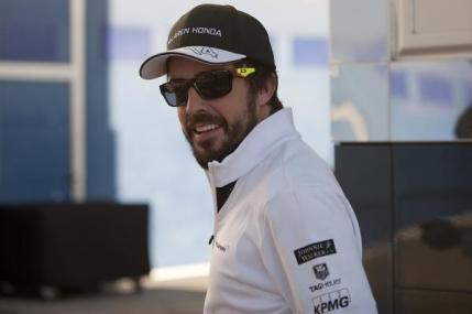 Fernando Alonso revine la Sepang