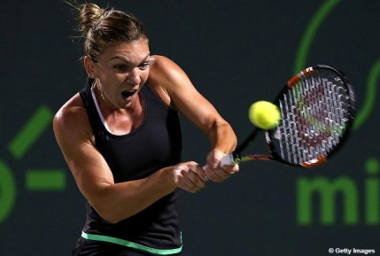 Simona Halep in semifinale la Miami dupa o demonstratie de forta cu Sloane Stephens