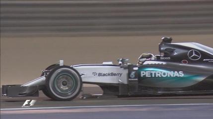 Lewis Hamilton castiga cursa din Bahrain. Kimi Raikkonen pe doi dupa o revenire de senzatie