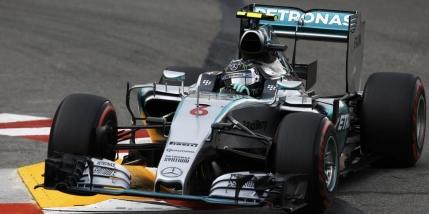 Rosberg ii smulge victoria lui Hamilton la Monte-Carlo