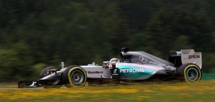 Lewis Hamilton in pole positon la Spielberg. Devine egalul lui Sebastian Vettel