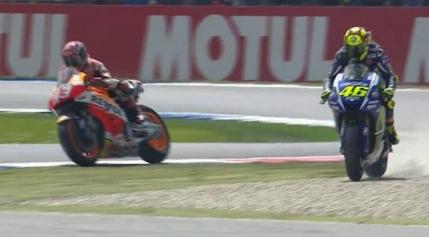 Valentino Rossi castiga in Olanda dupa un duel electrizant cu Marc Marquez