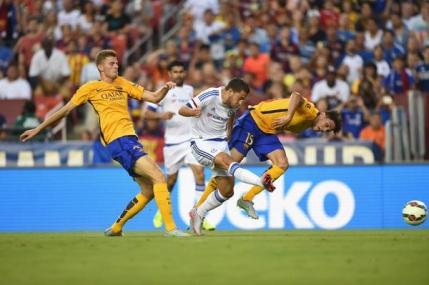 Chelsea o invinge pe Barcelona la International Champions Cup. Hazard a facut faza meciului