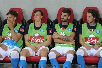 Vlad Chiriches a debutat la Napoli cu o infrangere. Presa italiana critica apararea