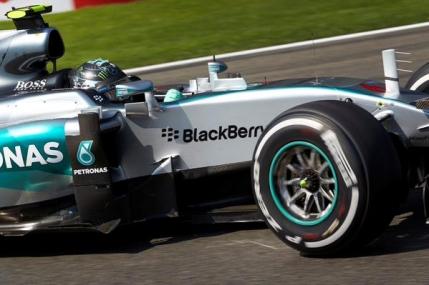 Mercedes a facut legea in primele antrenamente din Belgia