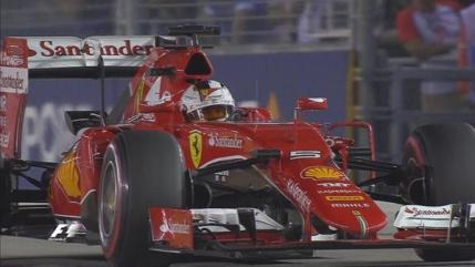 Sebastian Vettel, primul pole position la Ferrari. Mercedes s-a gripat in Singapore
