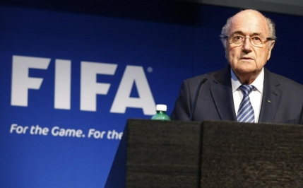 Blatter, suspendat de la sefia FIFA. Se strange latul si asupra lui Platini