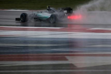 Pole position pentru Nico Rosberg in State. Ploaia si-a facut din nou de cap