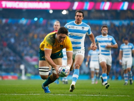 Australia supravietuieste asediului argentinian si merge in finala mondiala de rugby