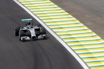 Al cincilea pole position consecutiv pentru Nico Rosberg