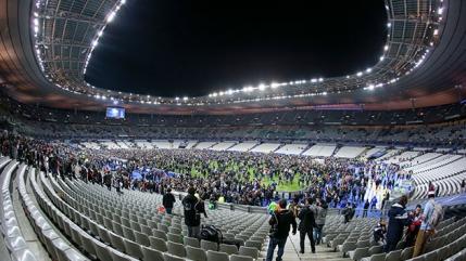Atentatele din Paris: Cum a fost evitat un dezastru pe Stade de France