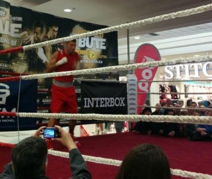 Lucian Bute s-a antrenat intr-un Mall pentru atacarea titlului mondial