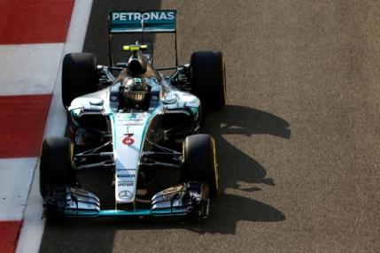 Nico Rosberg incheie sezonul cu un hattrick. Victorie in Abu Dhabi cu dubla pentru Mercedes