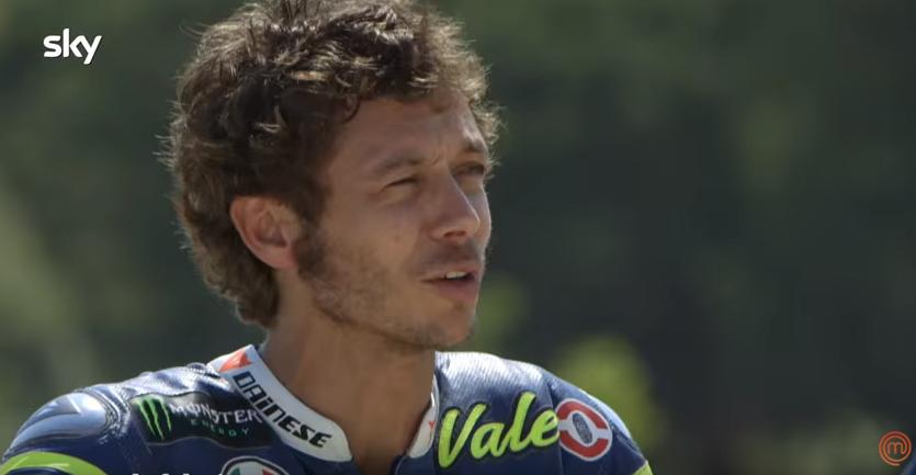 Valentino Rossi in juriul Masterchef Italia. Unul dintre concurenti in pragul lesinului de emotie (video)