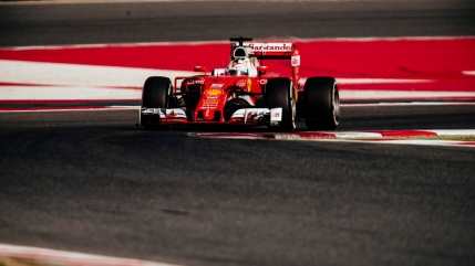 Vettel il devanseaza pe Hamilton in prima zi a testelor din Formula 1