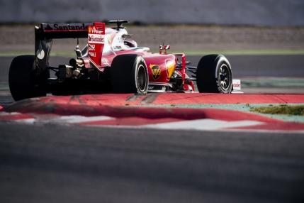 Ferrari termina in top primele teste de la Barcelona. Mercedes conduce la numarul de tururi