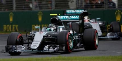 Dubla pentru Mercedes in Australia. Rosberg il bate pe Hamilton