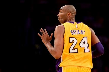 Kobe Bryant si-a luat adio de la baschet cu un meci in care a marcat 60 de puncte (video)