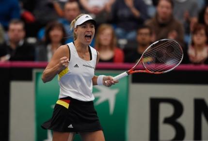 Fed Cup: Irina Begu, invinsa de Angelique Kerber in primul meci al disputei Romania-Germania