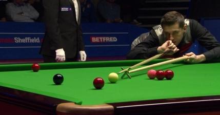 Mark Selby si Ding Junhui conduc dupa prima sesiune a semifinalelor Campionatului Mondial