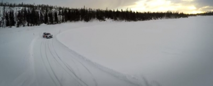 Mattias Ekstrom arata cum se merge cu o masina pe zapada (video GoPro)