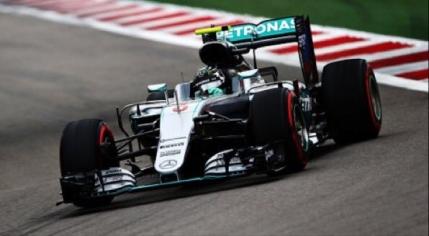 Nico Rosberg, pole position in Rusia. Inca o problema tehnica pentru Lewis Hamilton
