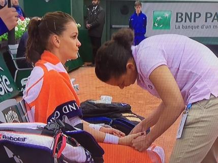 Agnieszka Radwanska a facut scandal dupa eliminarea suferita la Roland Garros. Acuza conditiile meteo vitrege: Eu nu pot juca pe ploaie
