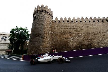 Lewis Hamilton, cel mai rapid in primele antrenamente de la Baku