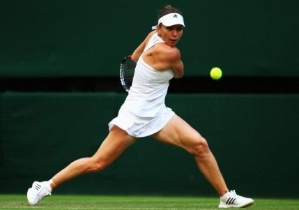 Simona Halep viseaza la o noua semifinala la Wimbledon